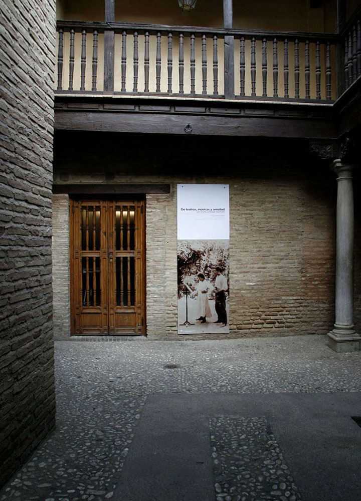museografia-exposicion-temporal-angel-barrios-2008
